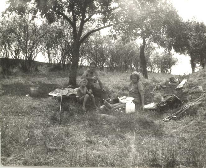 Csatornapeca Nagyapával az 1970-es évek elején